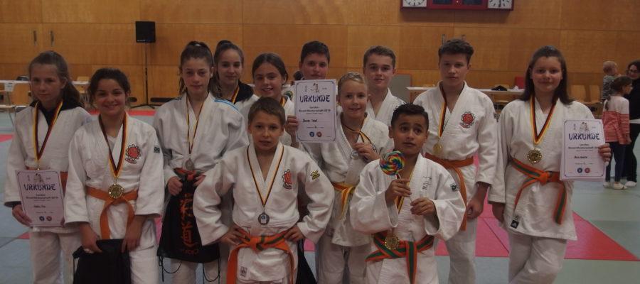 15 Saarlandmeister Titeln für den JKHE Nachwuchs.