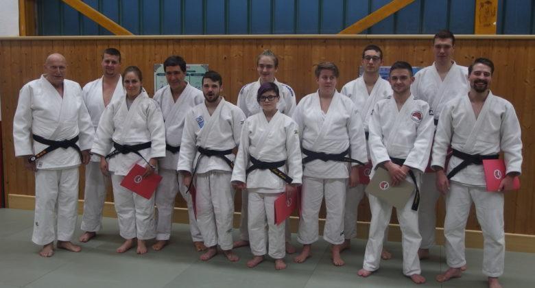 Erfolgreiche Dan - Prüfung beim Judo Kenshi